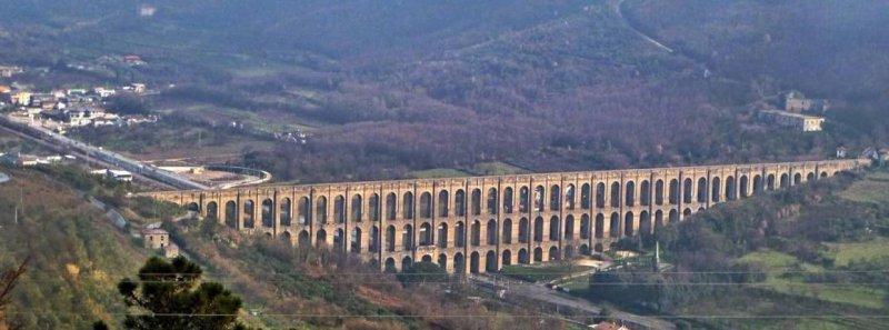 acquedotto-carolino-0%20broader%20view.jpg