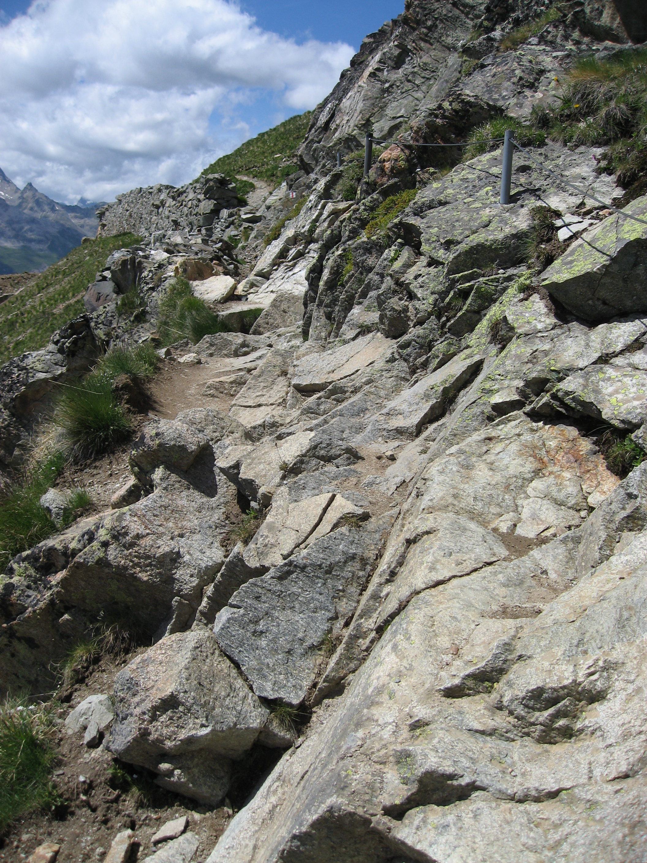 Alp hiking trail (20).JPG