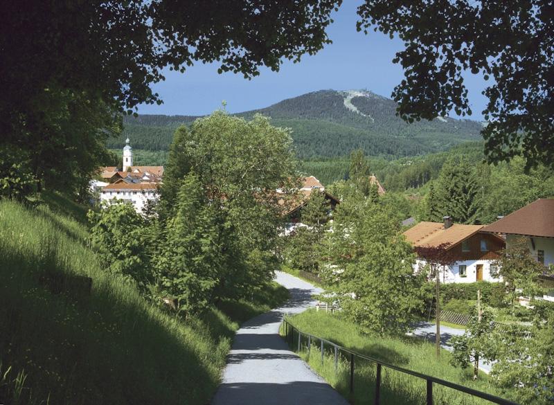 bavaria-village-lg.jpg