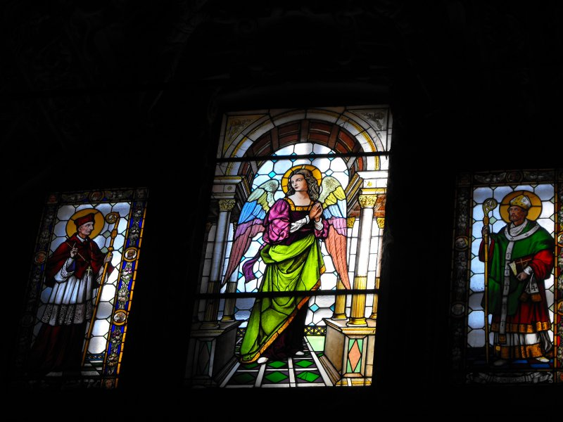 Saronno-Windows in Santuario BV dei Miracoli.JPG
