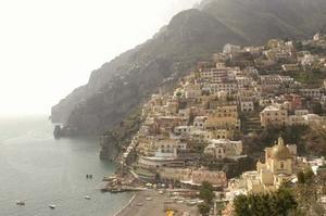 STTR_Positano_view_up_coastline.jpg