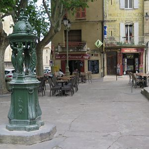 Languedoc - Uzes, Wallace statue