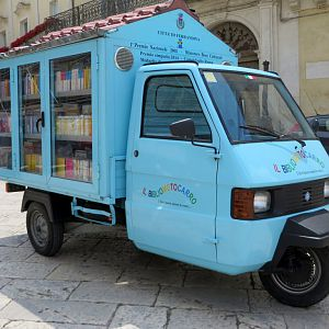 Library truck
