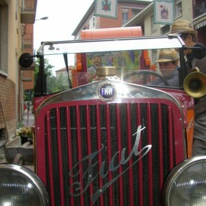 Vintage tractor in the Gran Sagra parade
