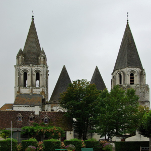 Loches, Loches, Église st-Ours