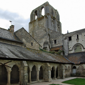 COrmery, la Tour St Paul and the cloisters.png