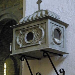 Montsalvy Abbey - reliquary box