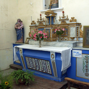 Peyrusse-le-Roc, church - side altar