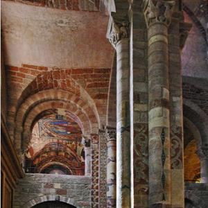 Brioude, Basilique St-Julien - south aisle and Chapelle St-Michel