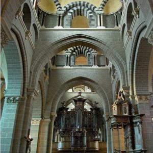 Le Puy-en-Velay, Cathédrale de Notre-Dame - west end