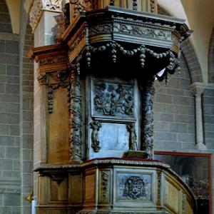 Le Puy-en-Velay, Cathédrale de Notre-Dame - pulpit
