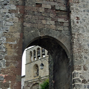 Arlempdes, fortified gateway