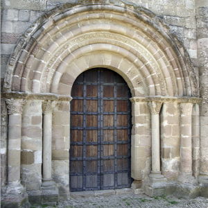 Iglesia Santa Maria de Eunate - west door