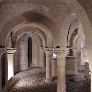 San Martin de Unx, Iglesia San Martin de Tours - crypt