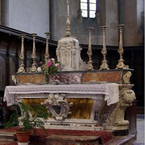 Rieux-Volvestre, Cathédrale Sante-Marie  - altar in the choir