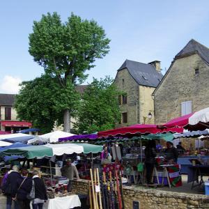Saint-Geniès Sunday Market