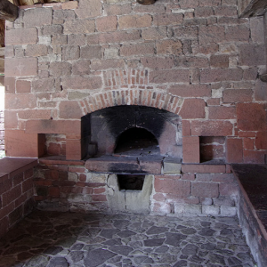 Collonges-la-Rouge, communal oven