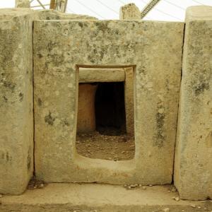 Mnajdra - porthole doorway