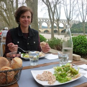 Lunch at Pont du Gard