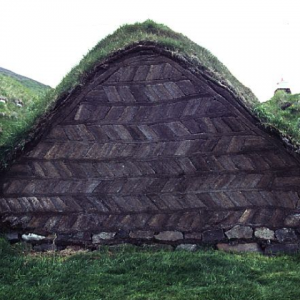 Laufas farm - end wall