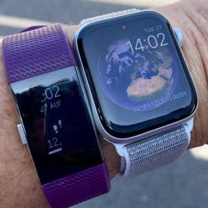 Fitbit vs Apple Watch