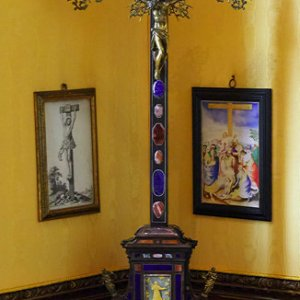 Jewel room off First George Room - crucifix
