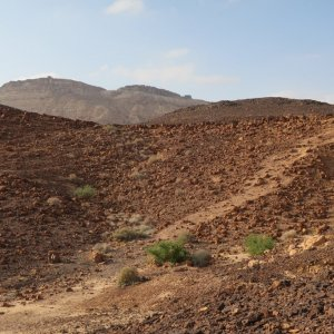 Mitzpe Ramon - Hiking in the Crater