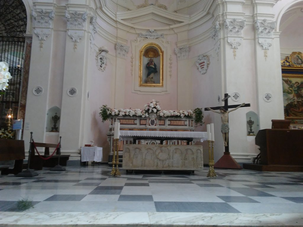 altar in the Duomo in Ravello