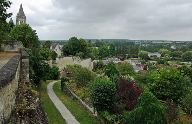 Loches medieval walls